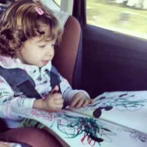pintando en el coche